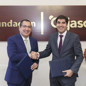 Antonio-Pulido--presidente-Fundación-Cajasol-y-Ángel-Haro-presidente-Real-Betis-Balompié-firma-convenio