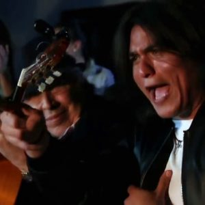 El videoclip completo del tema 'Pares y nones' ya promociona el primer disco de Samuel Serrano