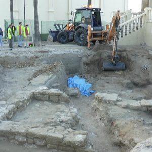 La Intervención Arqueológica del Humilladero deja al descubierto varias tumbas que serán excavadas próximamente