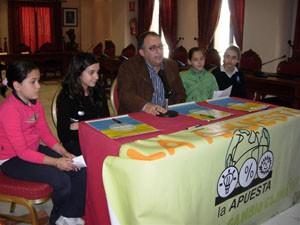 Escolares chipioneros realizarán acciones para luchar contra el cambio climático y la pobreza a lo largo del curso 2008-2009.