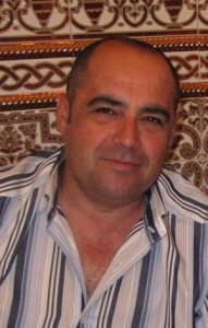 CRISTOBAL RUIZ, TRABAJADOR EJEMPLAR 2009 DE LA ATHOS, PRESENTADO POR MARINA BERNAL