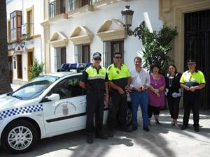 Presentado el nuevo vehículo de la policía local de Chipiona