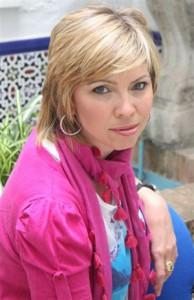 Marina Bernal homenajeada como Personaje relevante de Chipiona 2009 por la Asociación Turístico-Hostelera y Comercial de Chipiona (ATHOS)