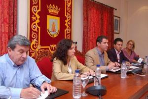Congreso, Senado y Parlamento Andaluz se unen en el impulso de proyectos de la localidad