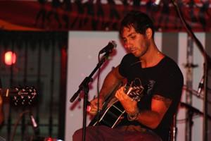 Adam G.B. fue el ganador de la I edición del concurso de jóvenes talentos de la música 2009
