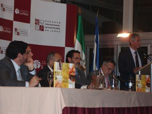 """Chipiona representada en la presentación del libro """"El Jerez en el plato"""""""