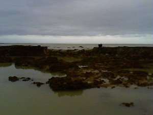 Desperfectos causados por el temporal en los corrales de pesca en Chipiona