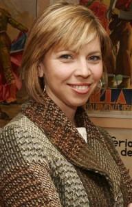 Marina Bernal colabora los viernes en Giralda Televisión en el programa Por fin es viernes de Pepe da Rosa