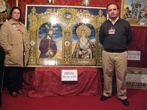 Retablo cerámico con las imágenes de Ntro. Padre Jesús Cautivo y Ntra. Sra. de los Dolores, titulares de la Hdad. del Cautivo de Chipiona.