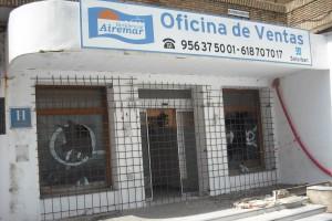 El Ayuntamiento de Chipiona acomete el cerramiento provisional de las obras del hotel Cruz del Mar como medida de seguridad