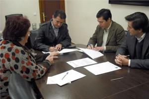 Ayuntamiento y EPSA firman una adenda al convenio de Camacho Baños(Chipiona)