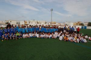 El consejero de Deportes inaugura  el césped artificial y las gradas del Gutiérrez Amérigo