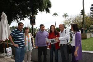 La plataforma contra los molinos presenta su preocupación a la eurodiputada Teresa Jiménez Becerril