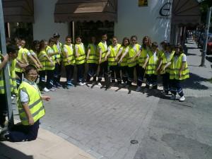 La concejalía de Tráfico admite la petición del alumnado  de Divina Pastora para pintar los pasos de peatones (Chipiona)