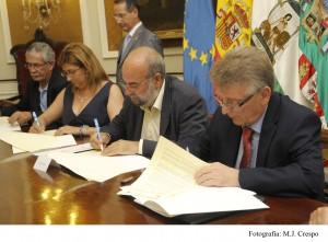 Diputación de Cádiz y Junta suman más de 7 millones de euros para la creación de empleo