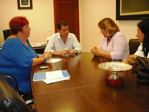 La diputada de Igualdad y Bienestar social se reúne con Gómez Bueno