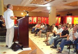 """Plataforma Comarcal """"Por un Horizonte Sin Molinos"""" plantea estrategias con grupos políticos y colectivos de Rota"""