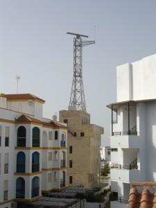Preocupación vecinal por la instalación de un radar en el edificio de Salvamento Marítimo