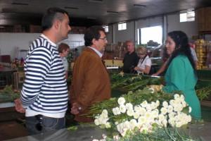 Antonio Peña muestra a agricultores suizos la agricultura de Chipiona