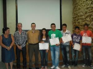El ayuntamiento recibe a los cinco alumnos de chipiona reconocidos en los premios San Viator de investigación en ciencias y humanidades a nivel nacional