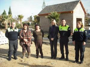La coordinadora provincial de Educación Vial de la DGT visita las obras del parque infantil  de Chipiona