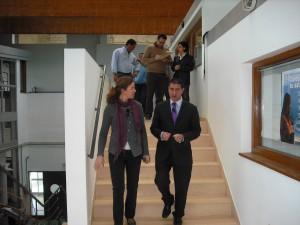 La Jefa de Puertos de Andalucía se compromete a poner en marcha las peticiones de pescadores y escuela de vela de Chipiona