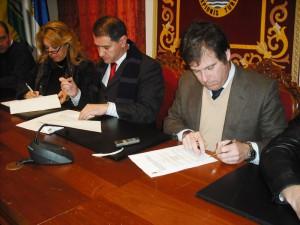 Firmado el contrato de concesión de obra pública y explotación del camping municipal de Chipiona