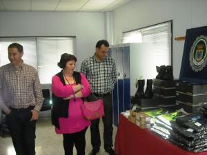 Seguridad Ciudadana  entrega la nueva indumentaria a los agentes de la Policía Local de Chipiona