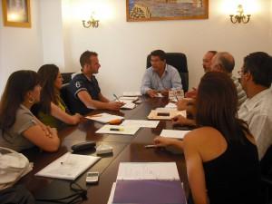 El alcalde de Chipiona  reúne a su equipo de gobierno para priorizar las tareas municipales de  la temporada estival