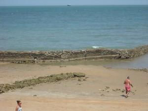 El concejal de Playas visita las obras de adecuación de la rampa de la playa Cruz del Mar