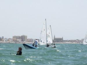 Las aguas de Chipiona acogieron este fin de semana la tercera y penúltima Copa de Andalucía de Láser Standard, Láser Radial y Láser 4.7 de la temporada Escuela Municipal de Vela de Chipiona