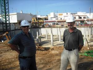 Rafael Naval informa del buen ritmo de las obras de las viviendas de matadero y de la disponibilidad de tres de ellas
