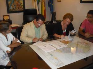 El ayuntamiento firma un convenio para la integración de las personas con discapacidad intelectual, autismo y parálisis cerebral