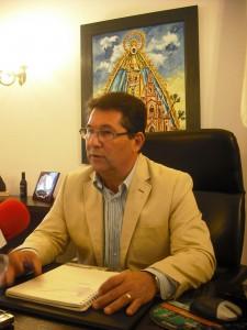 El alcalde busca en Madrid soluciones al pago de la transformación de las naves Niño de Oro y polígono industrial