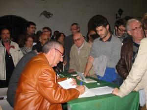 """Más de 200 personas acuden a la presentación del libro """"Tres documentos para la historia de Chipiona"""""""