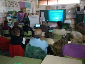 Interesante charla del Plan Mayor de Seguridad en el Centro Educación de Adultos.-