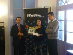 Las instalaciones deportivas cuentan desde hoy con un desfibrilador donado por la obra social de La Caixa.