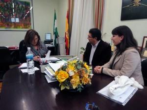 La delegada provincial de Educación se compromete con el alcalde a estudiar la segunda fase de Argonautas y visitar sus instalaciones el 27 de diciembre