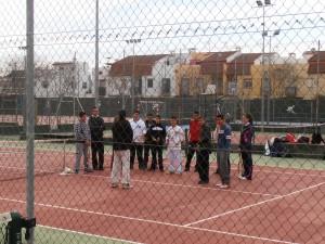 Deportes facilita equipamiento y programas de educación física a los centros educativos
