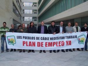 """Los alcaldes de IU finalizan el encierro en empleo """"reforzados""""  y anuncian una marcha de dos días para después de las elecciones"""