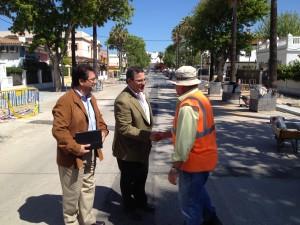 El Vicepresidente de la Diputación de Cádiz, Bernardo Villar, visita las obras de las avenidas de Sevilla y el Faro