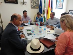 Antonio Peña impulsa proyectos de la localidad con diputados provinciales, autonómicos y nacionales
