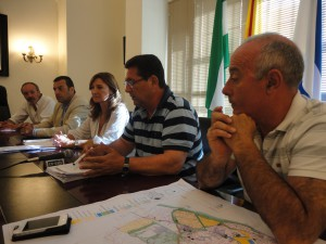La parlamentaria Alicia Martínez pide a la Junta el mismo trato que a Sanlúcar en la legalización de viviendas vinculadas a la agricultura