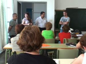 El Alcalde y la concejala de Educación visitan el centro municipal de adultos Miguel Espinosa Pau con motivo del inicio del curso escolar