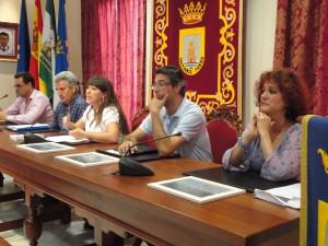 Homenaje a docentes jubilados y presentación de la agenda en la inauguración oficial del curso escolar