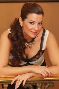 Erika Leiva estrena el viernes 19 en el Villamarta su espectáculo «Recordando a la copla»