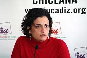 La representante de  la vicepresidencia de la Junta de Andalucía en Cádiz, Ana Rodríguez,  mantiene una reunión de trabajo con Izquierda Unida de Chipiona.