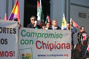 Los sindicatos marchan juntos en Chipiona en defensa de nuestros derechos.