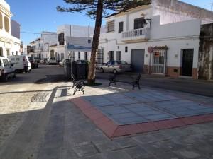 Concluye la reurbanización de la plaza Vieja con la colocación de cuatro contenedores soterrados