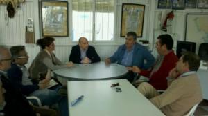El Director de la Agencia Pública de Puertos de Andalucía y el Delegado provincial de la Consejería de Fomento visitan las instalaciones del puerto de Chipiona.